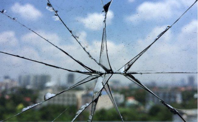 真夏の怪奇?窓ガラスが割れるほど暑い!猛暑で『熱割れ』が頻発