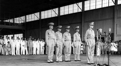 Douglas_MacArthur_at_Philippine_Army