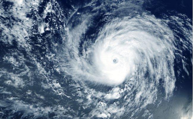 気象庁は謝るな。台風10号「特別警報見送り」に批判殺到の異常事態