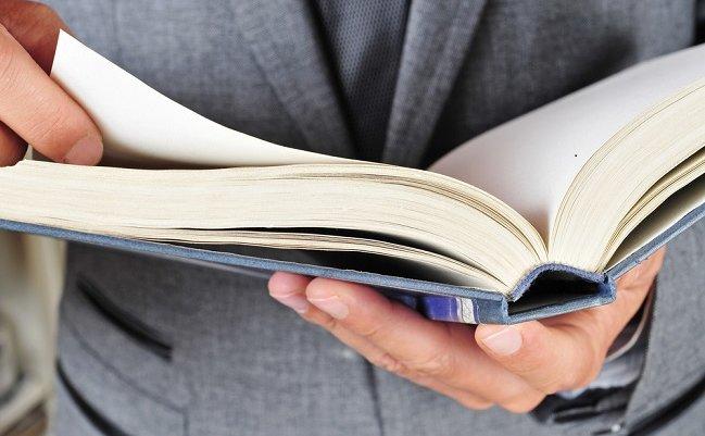 なぜ人気コンサルはアラフォー管理職にドラッカーの本を勧めないのか