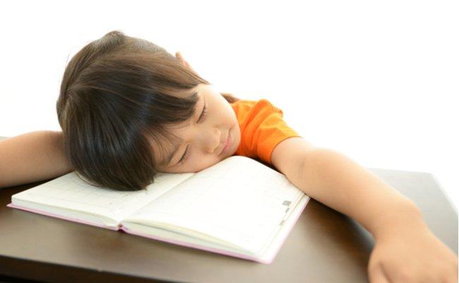 現役教師が提唱。子供に勉強をさせるのに「やる気はいらない」説