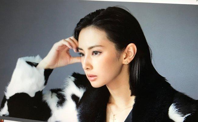 """北川景子にとって篠原涼子は""""邪魔な存在""""。杏や佐々木希の没落で空いた女王のイス、『リコカツ』不調も存在感アピール"""