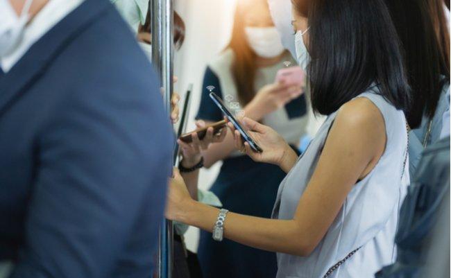 年間700億の売上減。それでも菅首相が携帯各社に「倍の負担減」を迫る事情
